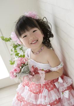 ピンクの水玉ドレスがお気に入りだったので、スタートはこのドレスから☆