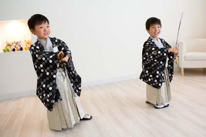 豆剣士。なぜかスローモーションでチャンバラをする二人でした(笑)