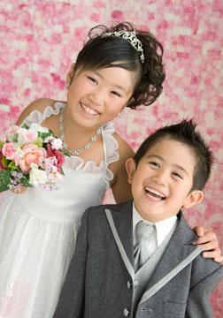 息のあった姉弟の笑顔。こちらも自然に笑いがこぼれます。