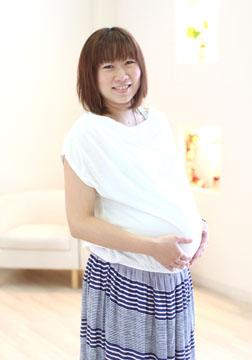 今にも産まれてきちゃいそうな位、大きなおなかです(^▽^)