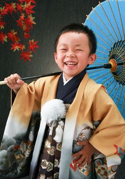 お殿様になった気分で(^-^)。いい笑顔です