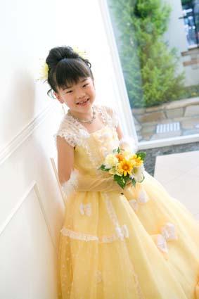 自分で選んだ黄色のドレス。お似合いでしたよ
