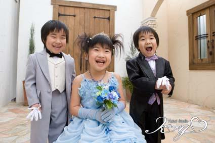 ハンマーパンチに大笑いの3人でした。