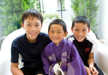 兄弟3人で。さすが兄弟パワー!みんな最高の笑顔です。