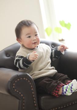 いすに座ってご機嫌です(*^^)v