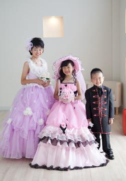 お姉ちゃんもドレスアップして、3人でも撮りました!