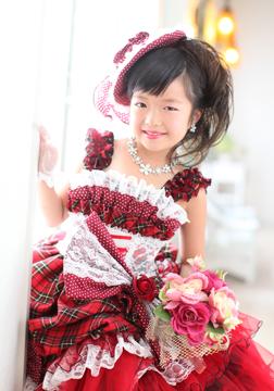 ドレス姿もカワイイ〜〜(*^▽^*)