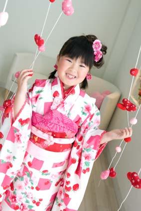 グッドな笑顔(^○^)ピンクの着物が似合ってますね〜