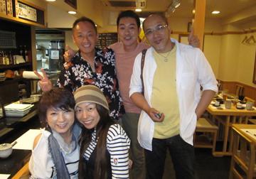 結婚式前々日の一コマ。お世話になってる重岡夫妻とあゆみちゃん夫妻とお食事しました。