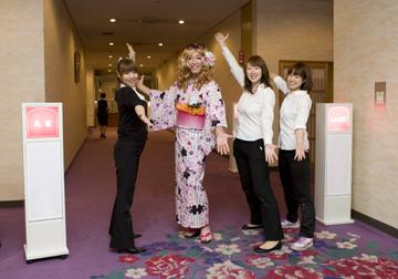 日本に観光に来た外国のギャルみたいです