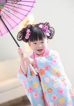 傘でお遊び、いないいないばあ〜♥