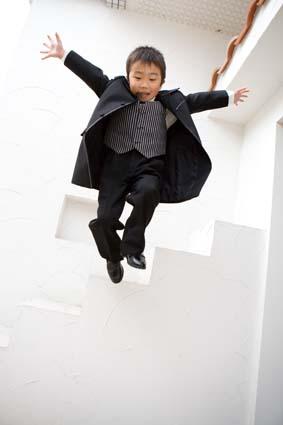 階段3段目からのジャンプ!足痛くなかったかな〜?