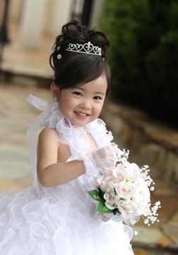 白のドレスも超〜可愛い