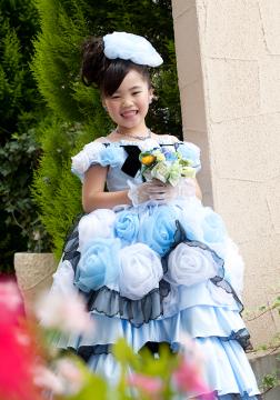 ブルーのドレスがお似合いのはるかちゃん♡