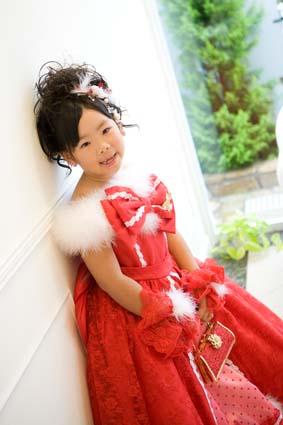 SEIKOMATSUDAの真っ赤なドレスです。似合ってますね〜