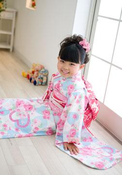 大人っぽい笑顔にドキドキ(*^_^*)